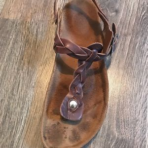 Shoes - Leather t strap sandals